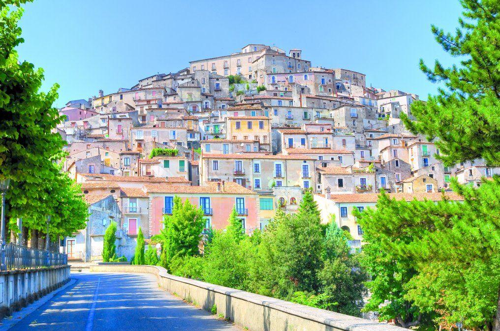 Una panorámica casi idílica de Morano Calabro. (Shutterstock)