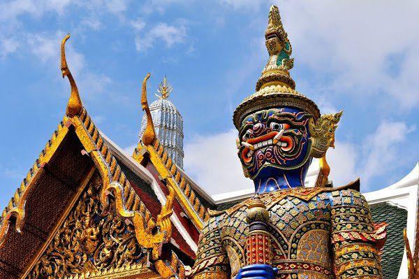 El Gran Palacio de Bangkok fue la residencia real del rey de Tailandia desde el siglo XVIII hasta el siglo XX.