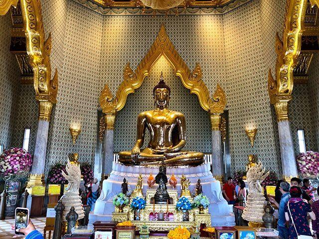 El buda de oro se encuentra en el Wat Tramit. Es la estatua de oro macizo más grande del mundo.