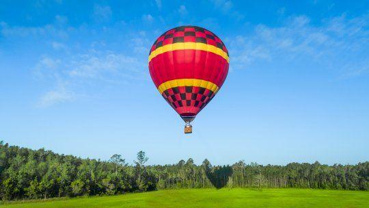 Los vuelos en globo son imperdibles si buscas algo diferente.