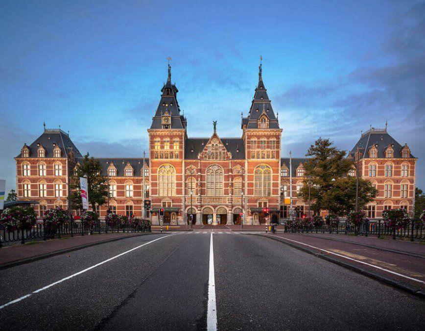 En elRijksmuseum se exhiben obras de Rembrandt.