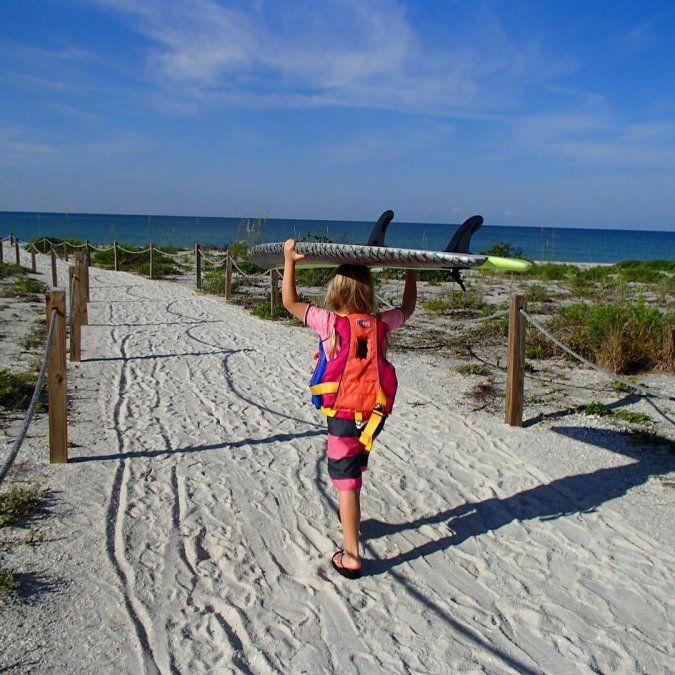 La zona cuenta con playas ideales para ir en familia.