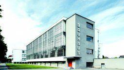 El histórico edificio donde funcionó la escuela Bauhaus entre 1926 y 1932, su momento de esplendor.