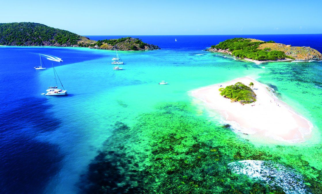 Panorámica de algunas islas que se mantienen intactas. Otras destellan de lujo y son elegidas por famosos para sus vacaciones. (Foto: Oficina de Turismo de las Islas Vírgenes Británicas)