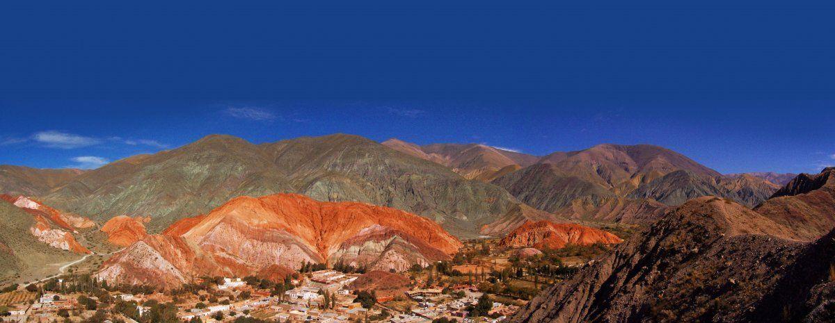 Purmamarca es uno de los enclaves más pintorescos del norte argentino. (Foto: Augusto Moreno)