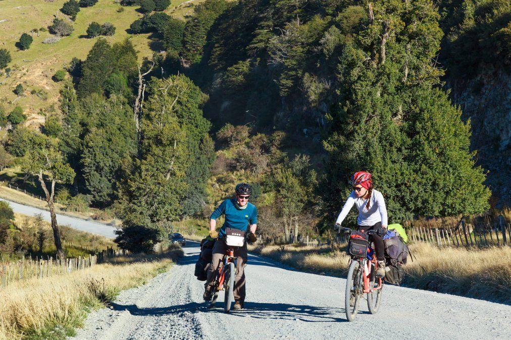 Transitar la Carretera Austral hasta nuestro destino final implica descubrir paisajes majestuosos sin dejar de lado la aventura