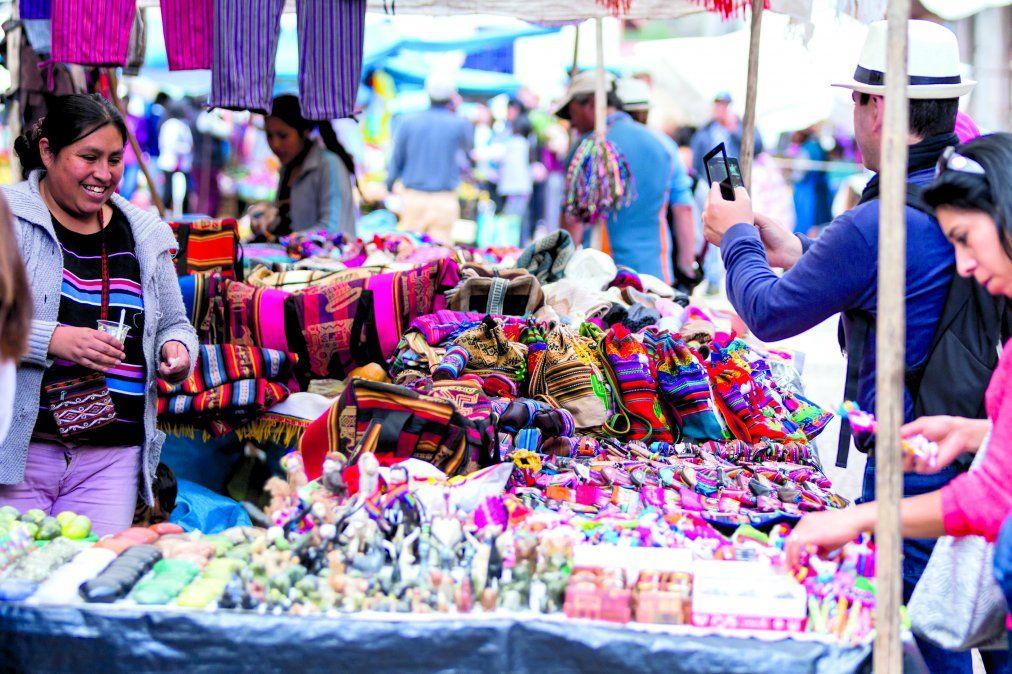 En Pisac una de las visitas obligadas es el mercado. (Istock/Charles Wollertz)