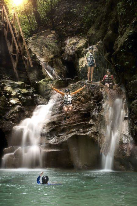 También se puede realizar un tour a los 27 Saltos de Damajagua.