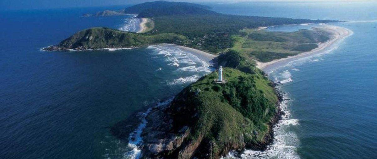 La isla tiene muchos encantos por conocer.