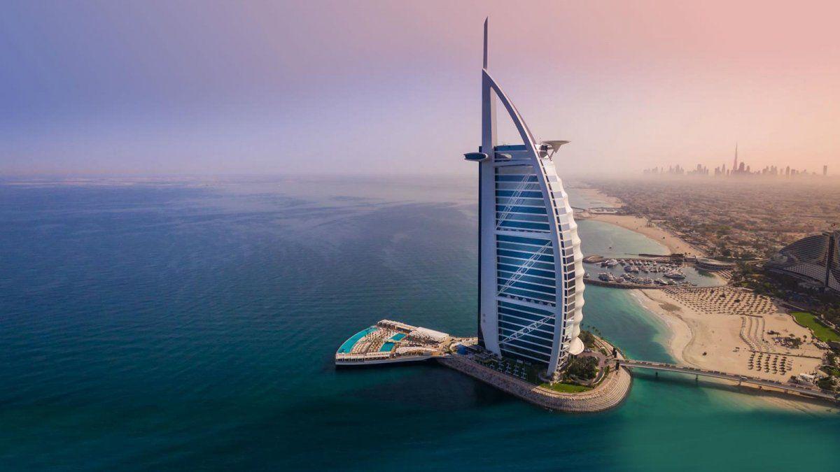 El Burj Al Arab es conocido por ser uno de los hoteles más lujosos del mundo.