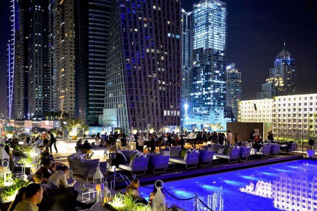 La noche de Dubai tiene mucho para ofrecer.