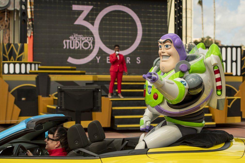 Buzz Lightyear estuvo presente en los festejos