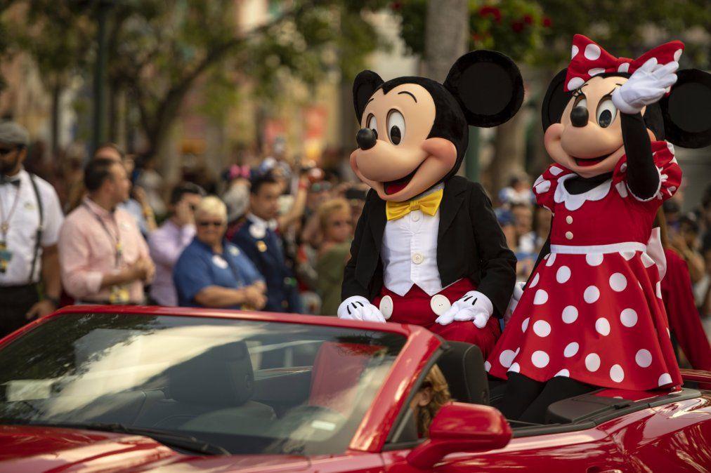 Mickey y Minnie no podían faltar en los festejos