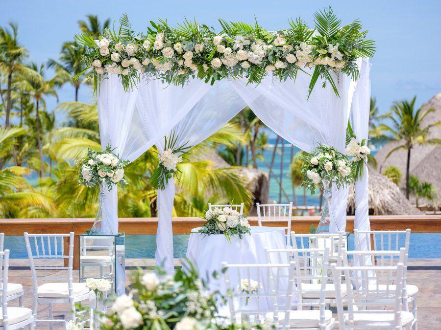Barcelo promete convertir en realidad la boda soñada.