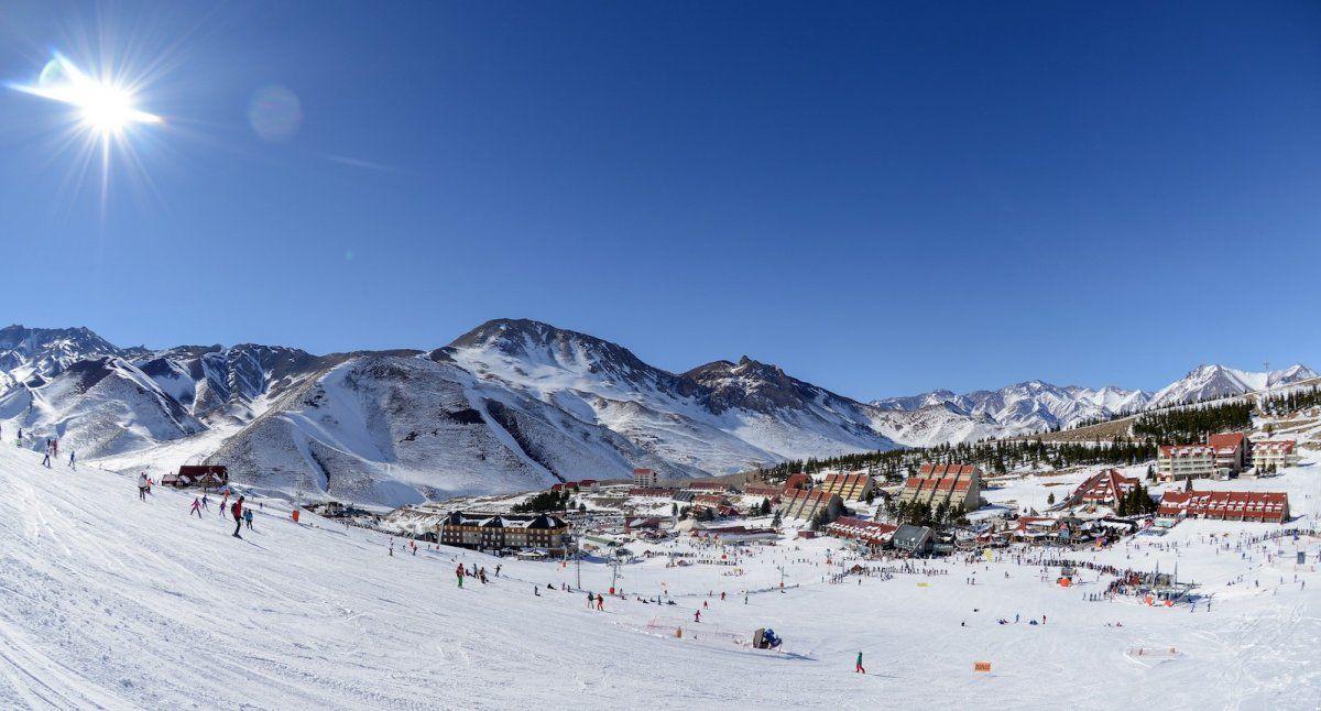 Ofrece la ventaja de poder salir esquiando directamente del hotel.