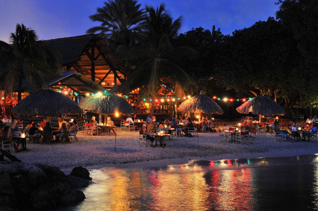 También es aconsejable una romántica cena a la vera de la playa.