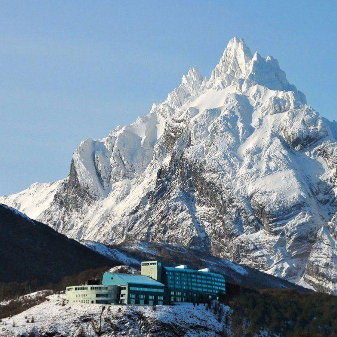 El espectacular emplazamiento del hotel permite disfrutar de múltiples actividades en contacto con la naturaleza.