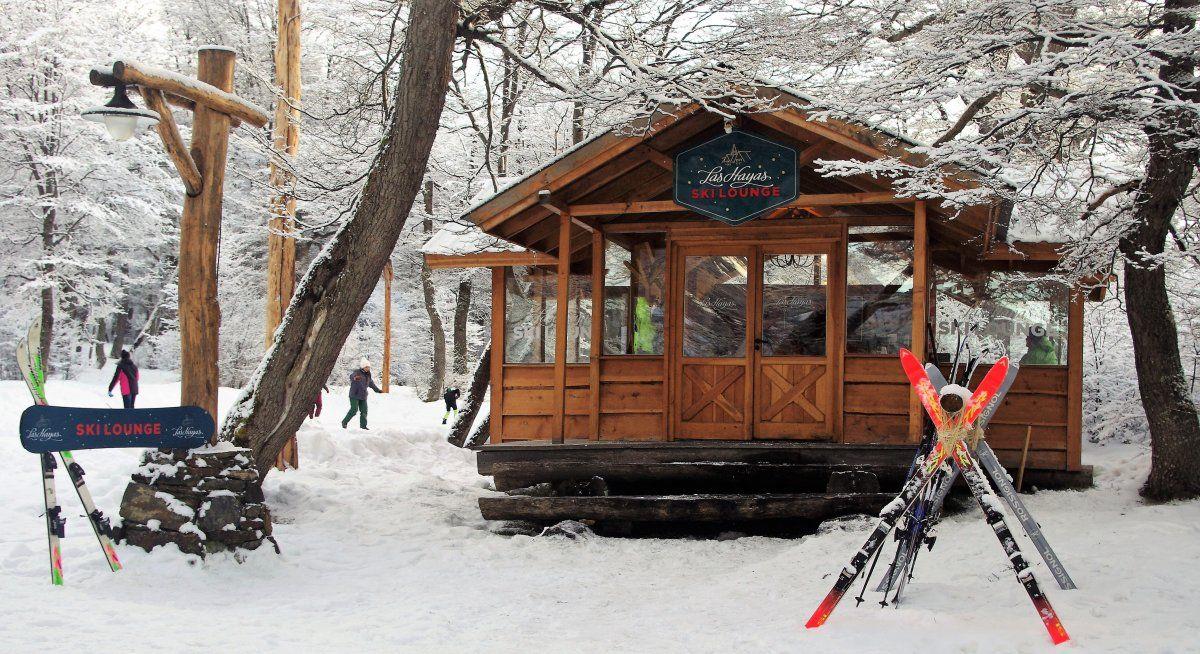 El complejo dispone del exclusivo Las Hayas Ski Lounge