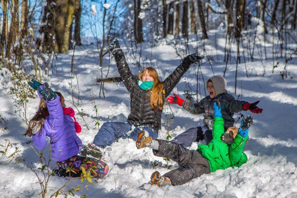 Además del esquí Bariloche ofrece otras actividades para estar en contacto con la nieve.