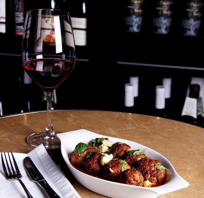 La gastronomía lleva la firma de Claudio Úbeda