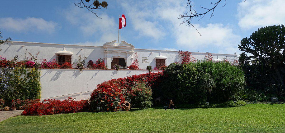 El Larco es un espacio cultural emblemático de Lima que guarda un excepcional panorama de 3 mil años de historia del Perú precolombino.