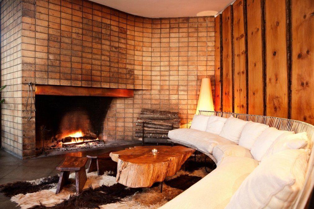 Hotel Antumalal destaca por su arquitectura cálida y típica del sur.