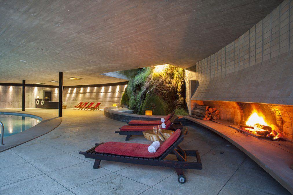 El Spa Antumaco posse un sauna con vista al lago