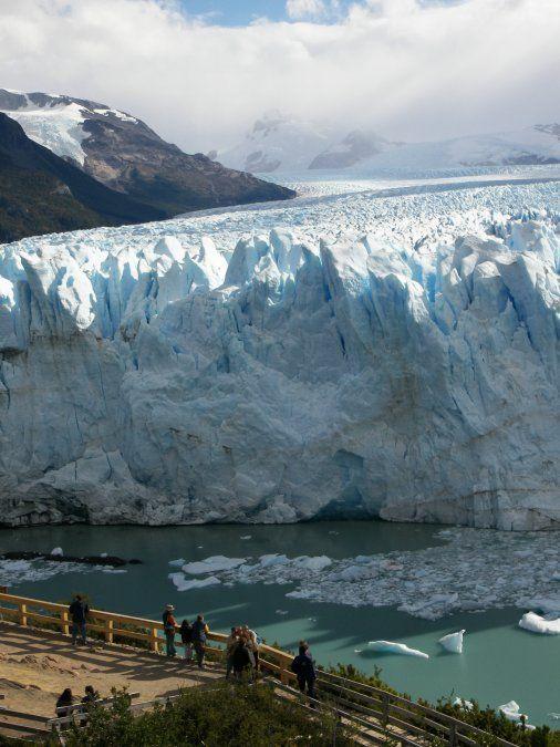 El glaciar Perito Moreno es el atractivo principal del destino