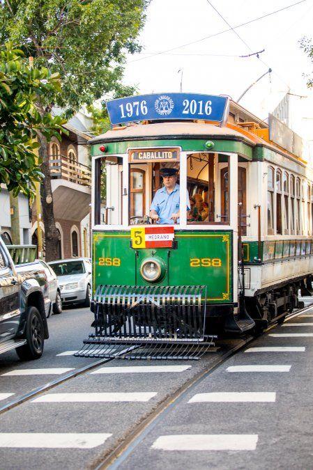 El paseo en un tranvía histórico es un gran plan.