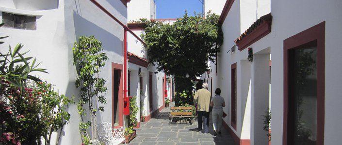 Sólo en el barrio de San Telmo hay 500 de estos verdaderos museos a la calle