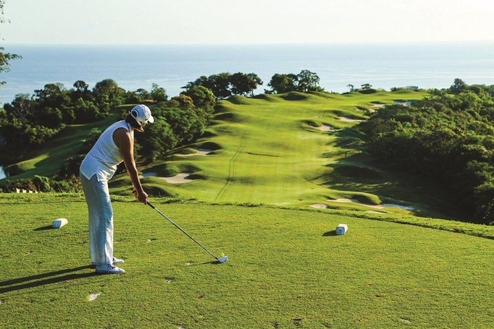 La isla alberga una increíble selección de campos de golf