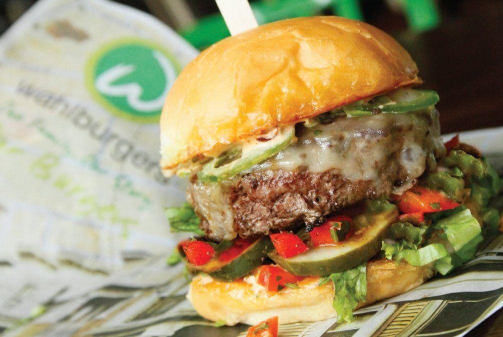 Una sabrosa hamburguesa deWahlburgers