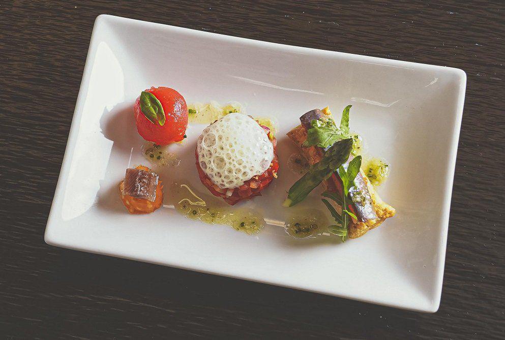 La innovadora plataforma gastronómica liderada por el chef tres estrellas Michelin Jordi Cruz.
