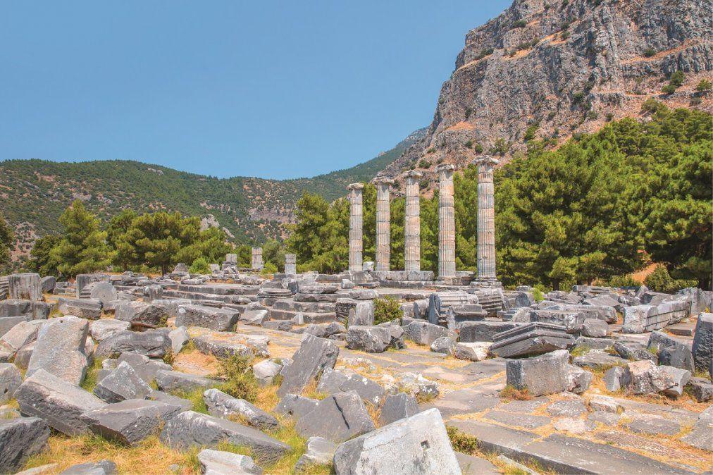 En Bodrum pueden verse restos del Mausoleo de Halicarnaso.