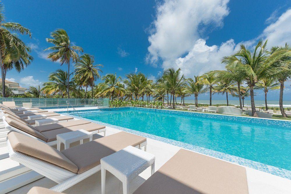 El área de piscina del Beach Club
