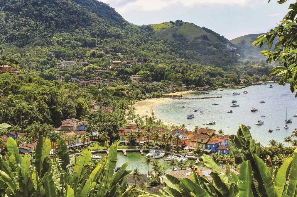 Hermosos paisajes y una completa infraestructura atraen a los turistas en Angra dos Reis.