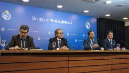 Los funcionarios durante la conferencia de prensa.