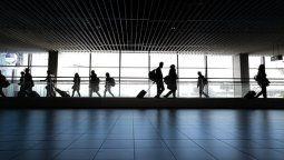 En abril descendió drásticamente la llegada de turistas internacionales vía aérea a México.