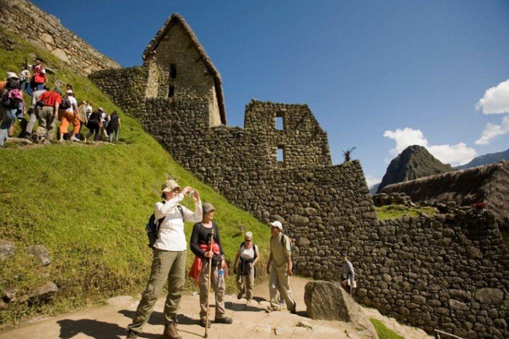 Turistas son evacuados de Cusco