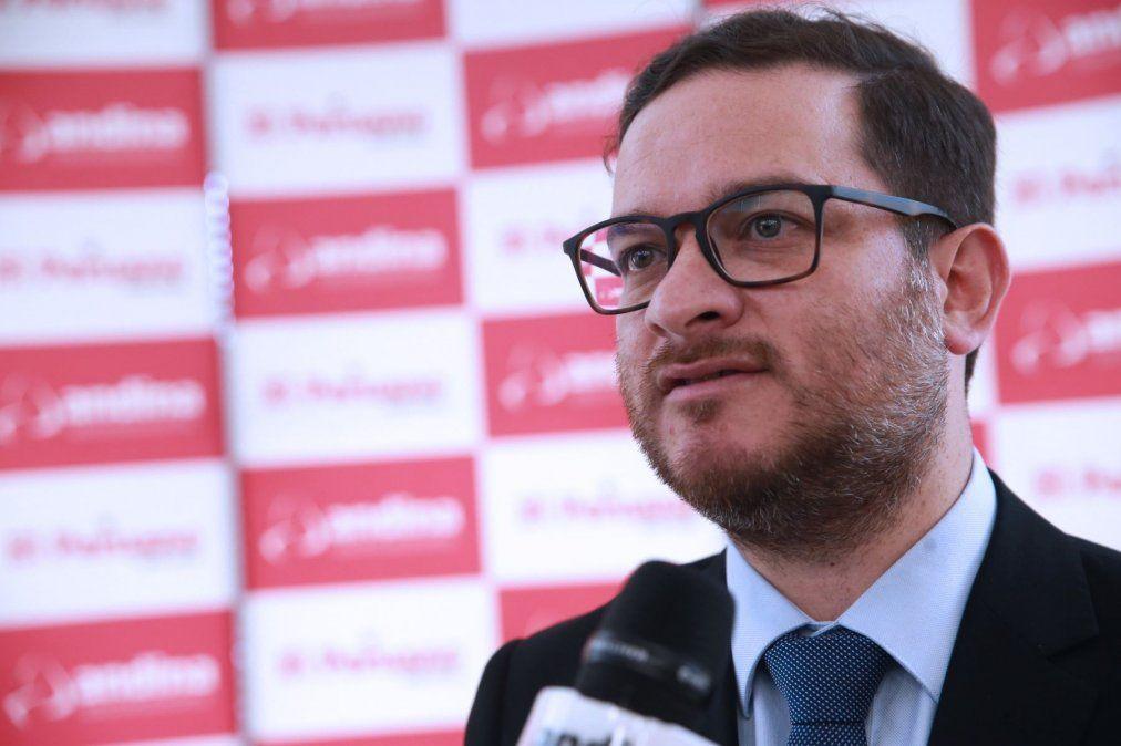 Ministro Vásquez anunció que viajes al interior se abrirían en junio.