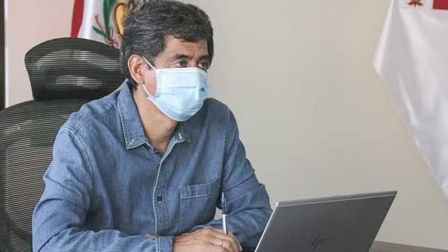 Ministro Lozada reformula postura del Ejecutivo y anuncia viajes internos a partir de julio.