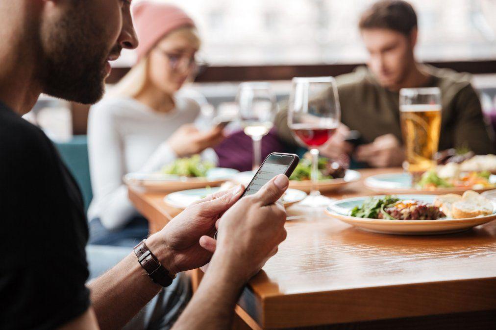 Los restaurantes podrán atender nuevamente en salón siguiendo los protocolos.