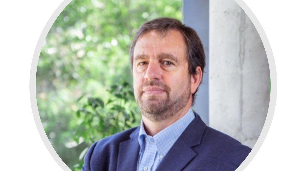 El presidente de Hoteleros de Chile destacó la posible implementación de un pasaporte verde.