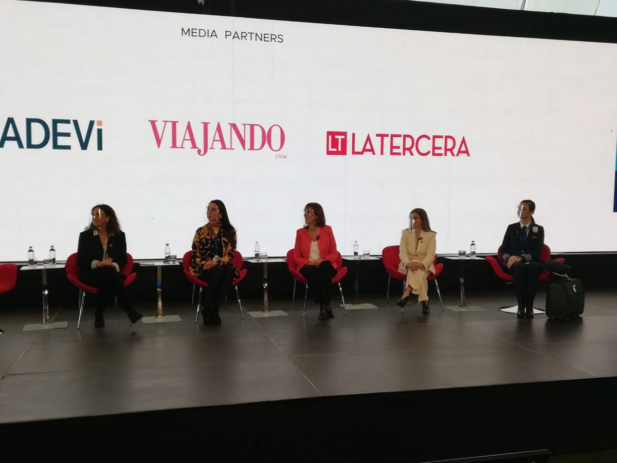 En la jornada también se vivió el panel Mujeres en turismo.