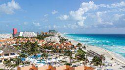 lento pero inexorable, el caribe mexicano se apaga al turismo
