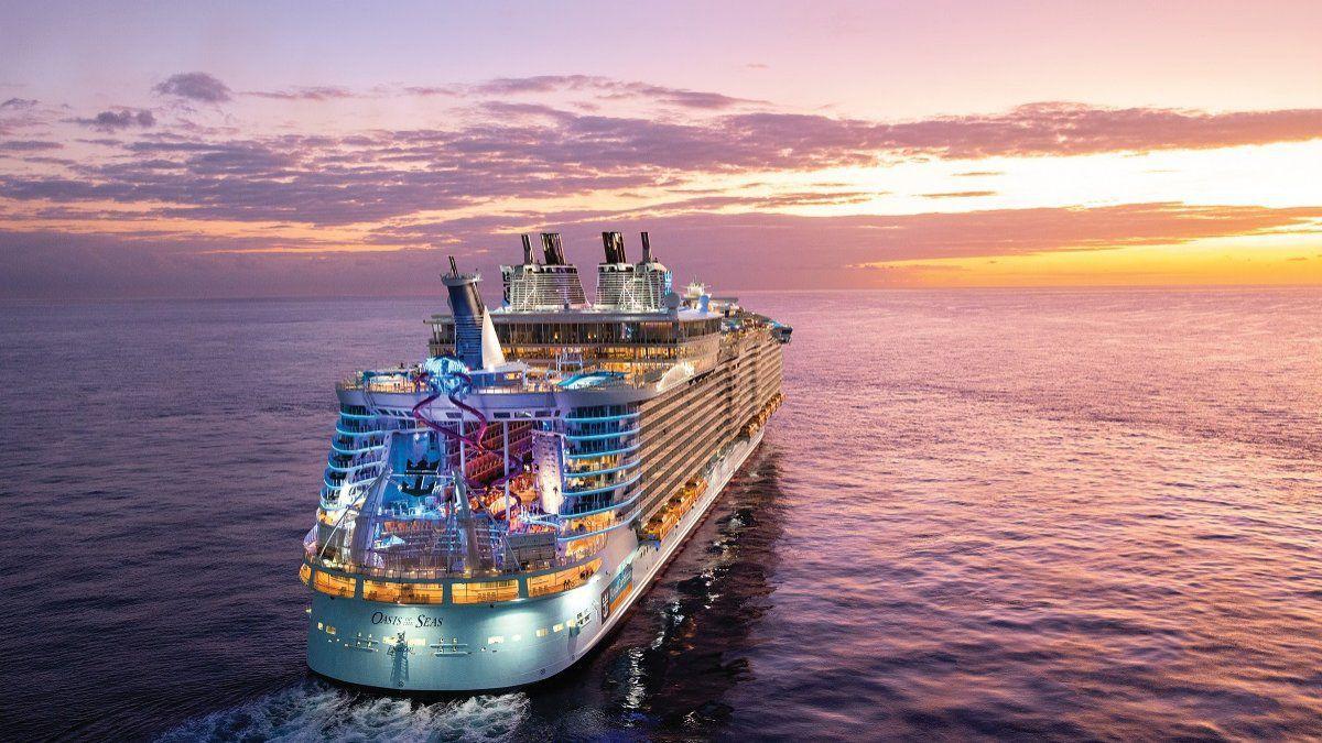 Royal Caribbean continúa con la suspensión de navegaciones.
