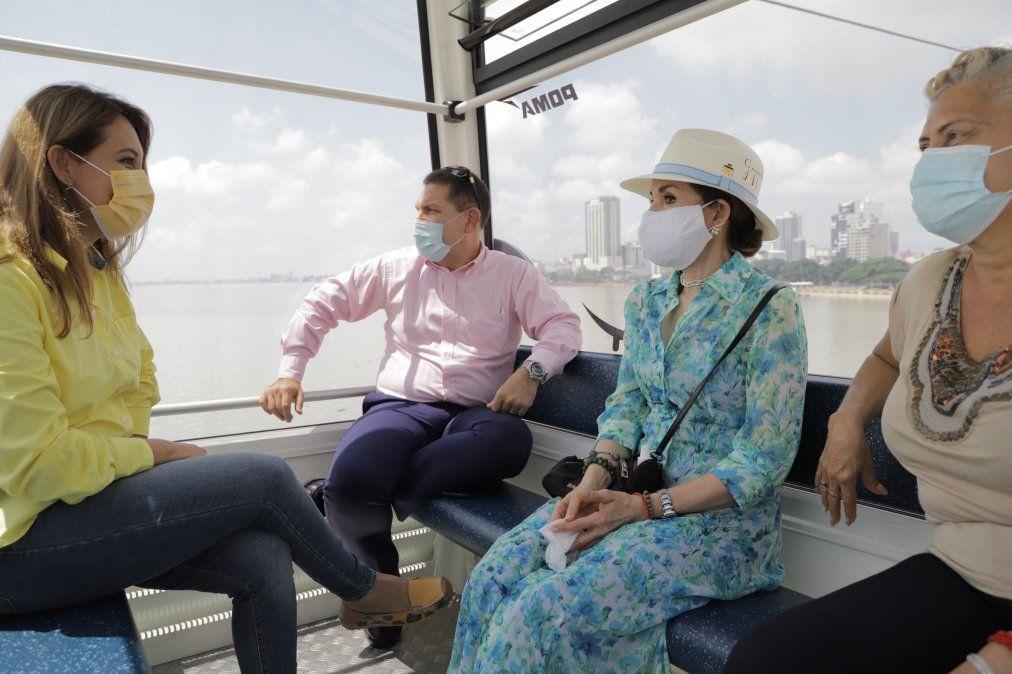 Miembros del sector turístico de Guayaquil realizaron un recorrido en aerovía.