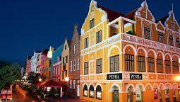 La arquitectura colonial neerlandesa típica de de Willemstad, la capital de Curazao.