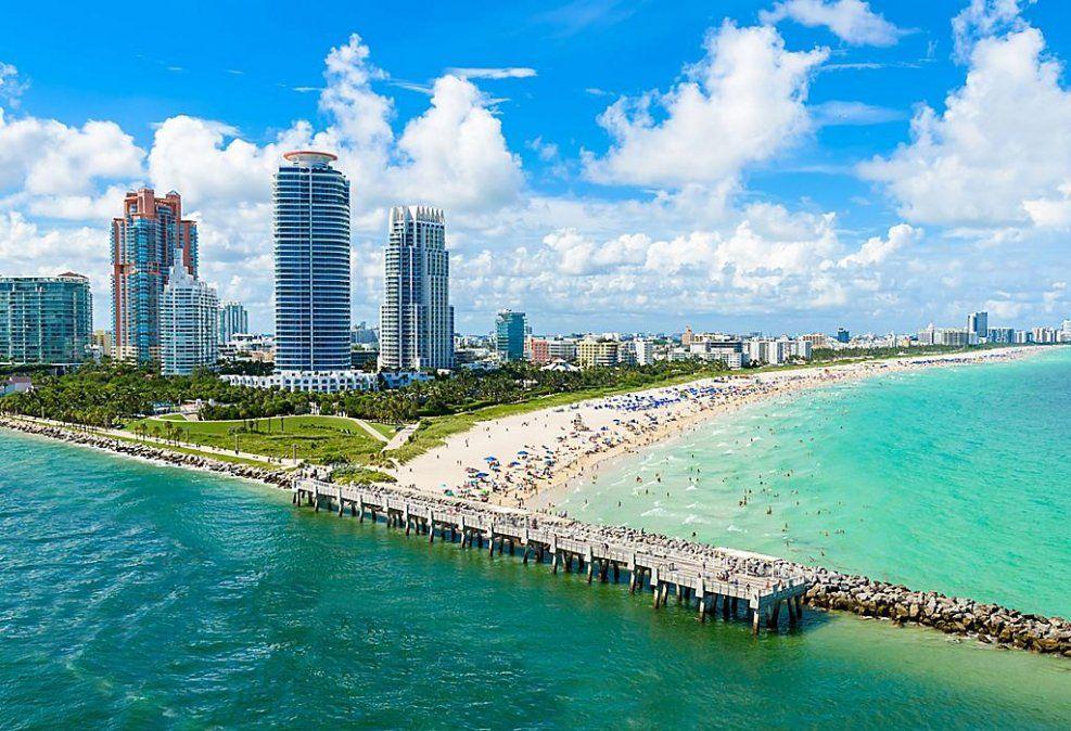 Royal Caribbean retoma operación de cruceros en Miami.