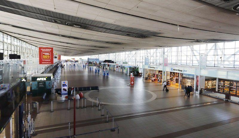Los pasajeros fueron controlados a su llegada al aeropuerto.